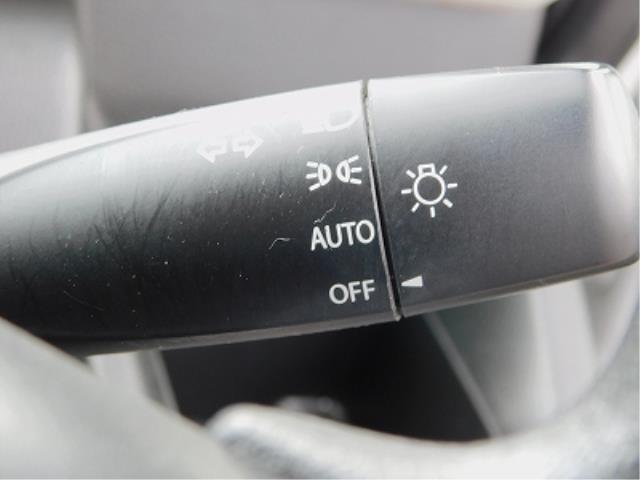 ハイブリッドXG クラリオン CD 衝突軽減ブレーキ 車線逸脱警報装置 ヘッドアップディスプレイ アイドリングストップ 助手席シートアンダーボックス シートヒーター プッシュスタート スマートキー2ケ 走行18150(19枚目)