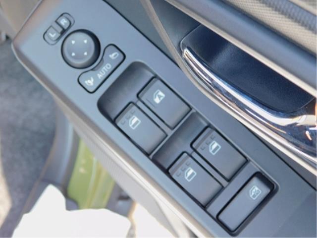 Gターボ ターボ車 クルーズコントロール 衝突軽減ブレーキ クリアランスソナー 全方位モニター用カメラ ガラスルーフ ルーフレール メッキパック 純正15インチアルミ 前席シートヒーター 走行50km(10枚目)