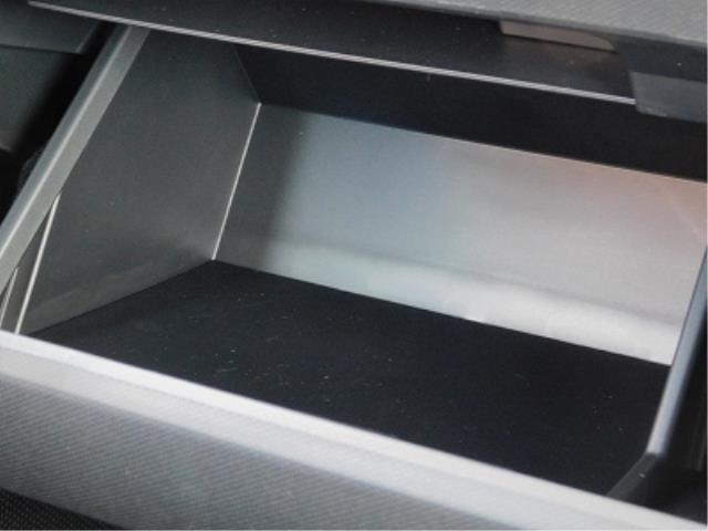 Gターボ ターボ車 クルーズコントロール 衝突軽減ブレーキ クリアランスソナー 全方位モニター用カメラ ガラスルーフ ルーフレール メッキパック 純正15インチアルミ 前席シートヒーター 走行50km(17枚目)