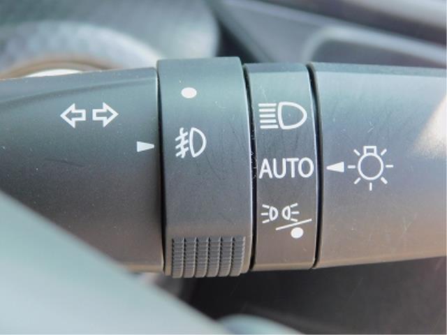 ハイブリッドX 純正9インチナビ TV DISC BluetoothAudio 全方位モニター ドラレコ 前席シートヒーター 純正15インチアルミ ETC 衝突軽減ブレーキ ソナー 車線逸脱装置(18枚目)