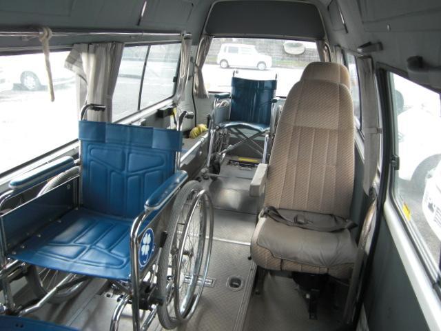 車いす仕様車 8人乗車いす2基 4WD ディーゼル(12枚目)