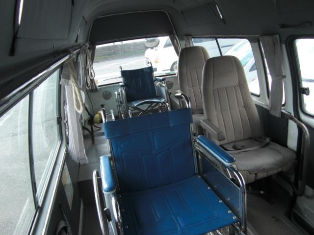車いす仕様車 8人乗車いす2基 4WD ディーゼル(13枚目)