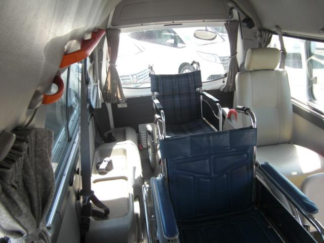 日産 キャラバン チェアキャブ M仕様 10人乗車いす2基