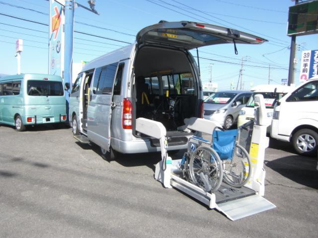 車いす仕様車 Bタイプ 車いす2基 バックカメラ 福祉車両(6枚目)