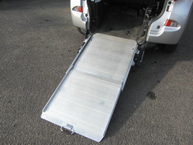 X 車いす仕様車 タイプ1 スローパー車高降下装置 福祉車両(4枚目)