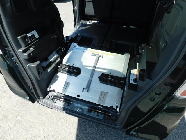 G・Lパッケージ スローパー ウインチ ナビTV Bカメラ 左Pスラ ETC 福祉車両(3枚目)