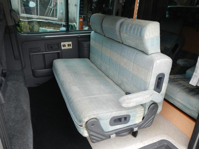 SロングGX キャンピングカー 2段ベッド サンルーフ(13枚目)