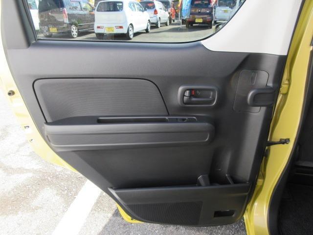 ハイブリッドFX キーレスエントリー アイドリングストップ 横滑り防止システム 衝突安全ボディ 盗難防止システム CD AM/FM シートヒーター(39枚目)