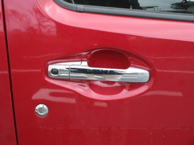 ハイブリッドX リミテッド ドライブレコーダー ETC スマートキー アイドリングストップ シートヒーター 衝突軽減ブレーキ 横滑り防止システム ラインセンサー アルミホイール ナビ フルセグ CD DVD(13枚目)