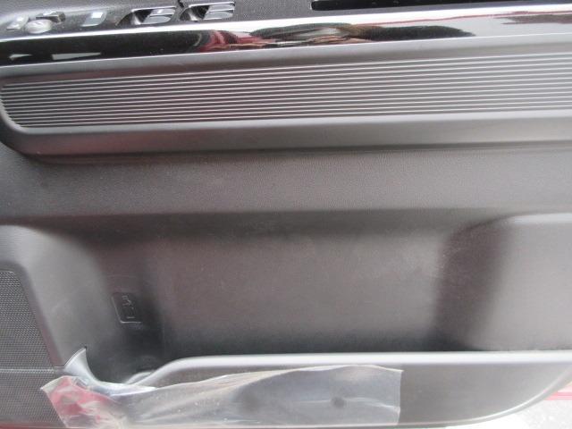 ハイブリッドX リミテッド ドライブレコーダー ETC スマートキー アイドリングストップ シートヒーター 衝突軽減ブレーキ 横滑り防止システム ラインセンサー アルミホイール ナビ フルセグ CD DVD(16枚目)