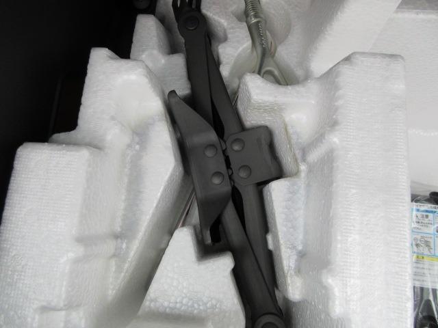 ハイブリッドX リミテッド ドライブレコーダー ETC スマートキー アイドリングストップ シートヒーター 衝突軽減ブレーキ 横滑り防止システム ラインセンサー アルミホイール ナビ フルセグ CD DVD(50枚目)
