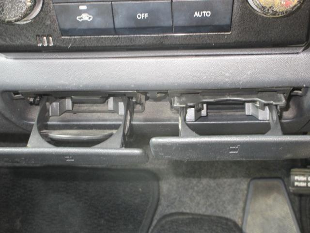 スティングレーX CD AM FM MD スマートキー 電動格納ミラー セキュリティアラーム シートアンダーボックス アームレストアクセサリーソケット セレクトレバー ラゲッジサイドボックス ドリンクホルダー(29枚目)