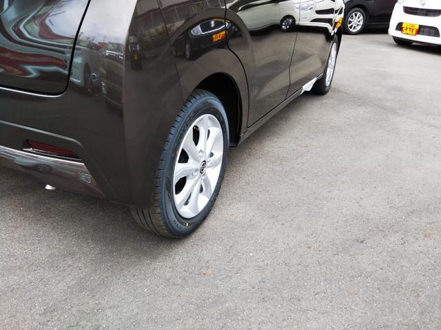 X 届出済未使用車 特別塗装色 エマージェンシーブレーキ コーナーセンサー バッグビューモニター(ルームミラー) アルミホイール14インチ スマートキー プッシュスタート ベンチシート プライバシーガラス(50枚目)