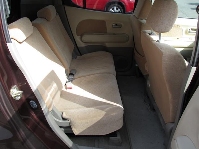 ドアの開口角度も大きいので、チャイルドシートの取り付けも楽です。