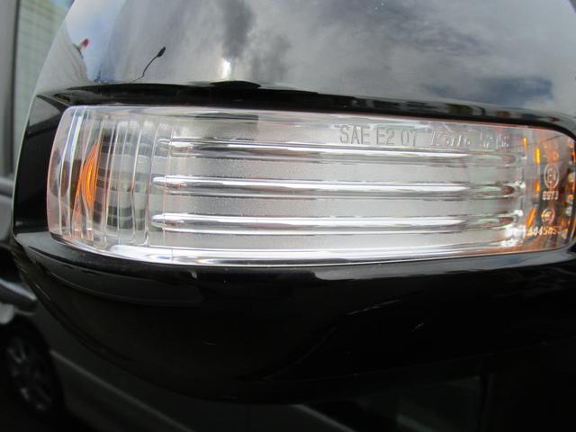 LEDドアミラーウインカー付いております。
