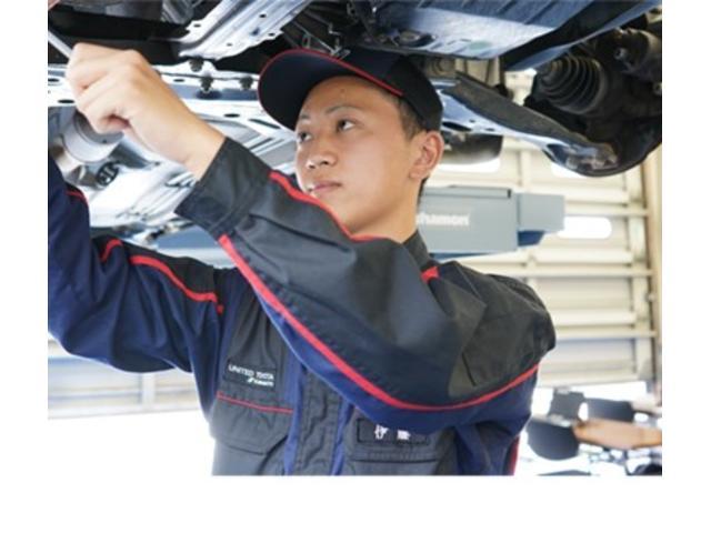 車検 ・最新設備システム(専用台車)の導入と、効率向上で時間短縮! ・当社開発の最新車検システムで早い・安心・納得を実現。 ・磨かれた技術のプロスタッフが最新機器で確実な整備。
