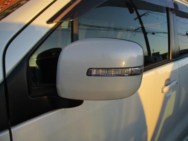 リミテッドII シートヒーター ナビ フルセグ CD DVD Bluetoothオーディオ スマートキー プッシュスタート HIDヘッドライト オートライト オートエアコン(5枚目)