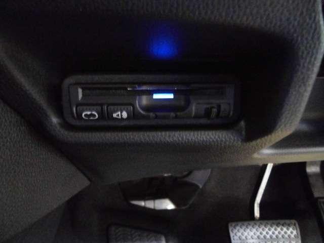ホンダ フィットハイブリッド Lパッケージ 試乗車 禁煙車 メモリーナビ LED