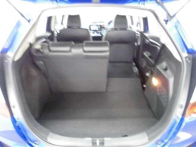 ホンダ フィットハイブリッド 1.5 ハイブリッド L 試乗車 禁煙車 CD USB リアカメ