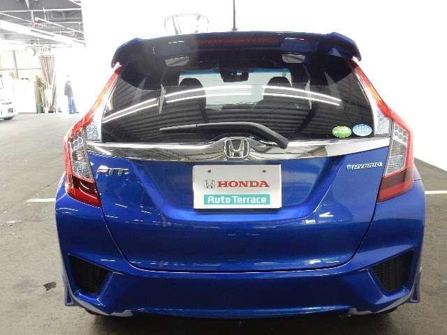 ホンダ フィットハイブリッド Sパッケージ 試乗車 禁煙車 CD USB リアカメラ