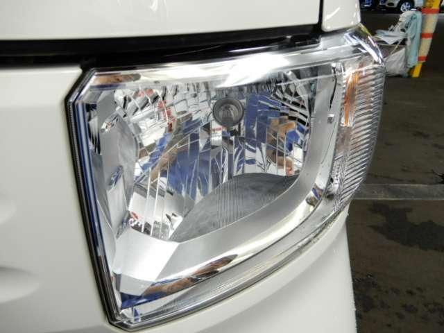 大き目のヘッドライトで、夜道も安全運転 明るく安心です。