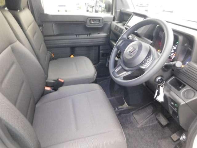 フィット性も良く、楽な運転姿勢を保てます。