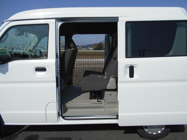 両側スライドドアです★狭い駐車場などでも、ドアの開閉に気を使うことなく乗り降りできます!