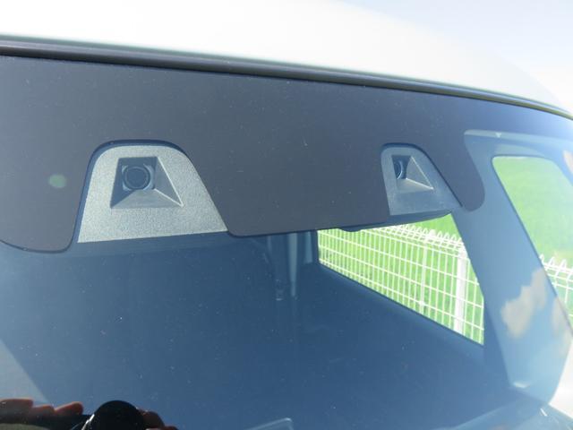 ハイブリッドX フロアマット・ドアバイザー付き・届出済み未使用車・保証書(12枚目)