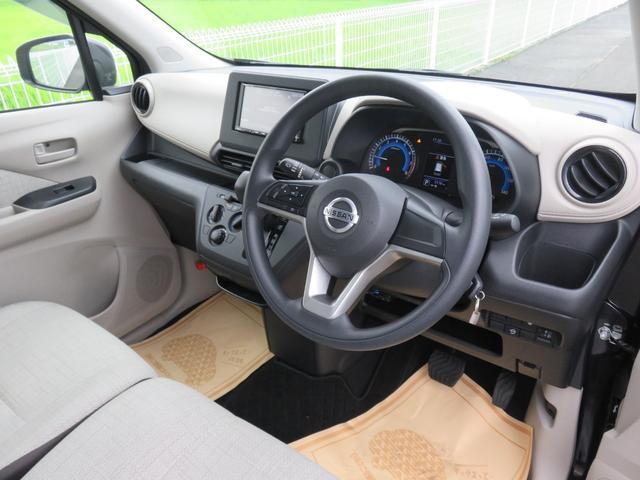S ・ナビTV・Bluetooth・禁煙車・衝突軽減ブレーキ・保証書(13枚目)
