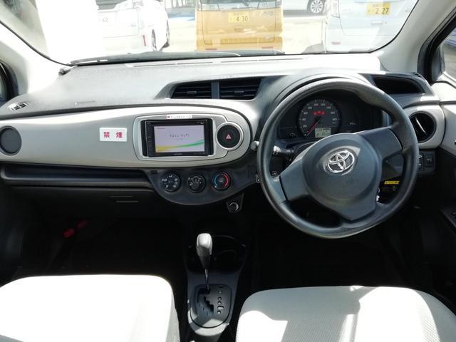 トヨタ ヴィッツ Fレンタカーアップ車・ナビ・CD・禁煙車