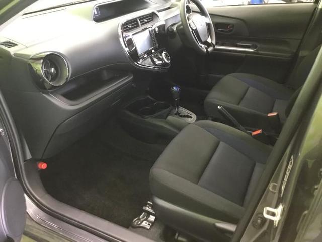 S 純正 7インチ ナビ/Bluetooth接続/ETC/EBD付ABS/横滑り防止装置/アイドリングストップ/TV/エアバッグ 運転席/エアバッグ 助手席/パワーウインドウ/キーレスエントリー 禁煙車(6枚目)