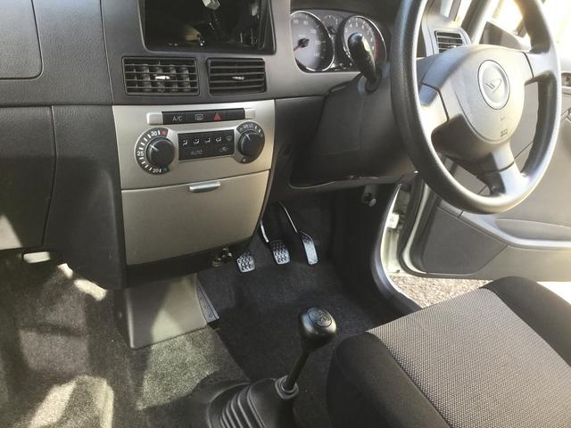 カスタム Rリミテッド 5MT インタークーラーターボ 4WD ララパーム14インチ社外 タイヤ新品装着渡し オーディオ取付渡し(28枚目)