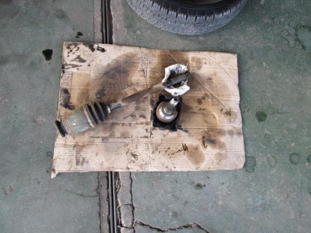調子よいですエンジンオイルエレメント交換フロントキャリパーAssy左右交換 左リヤドライブシャフトブーツ交換 タイベルト交換歴ありますが、KMは判りません。ベルトはまだ良さそうです。