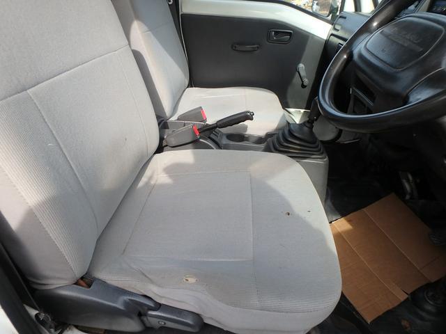 日ごろのオイル交換、タイヤ交換、ナビやETC、ドライブレコーダーなどのカー用品の購入取付も承ります。