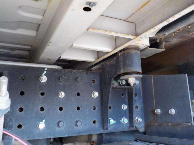 三菱ふそう キャンター 3.0Dターボ Wキャブ1.5トン積6人6速AT