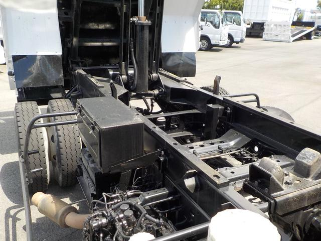 4tダンプ6速MT3ペダル 積載量3900kg 新明和(16枚目)
