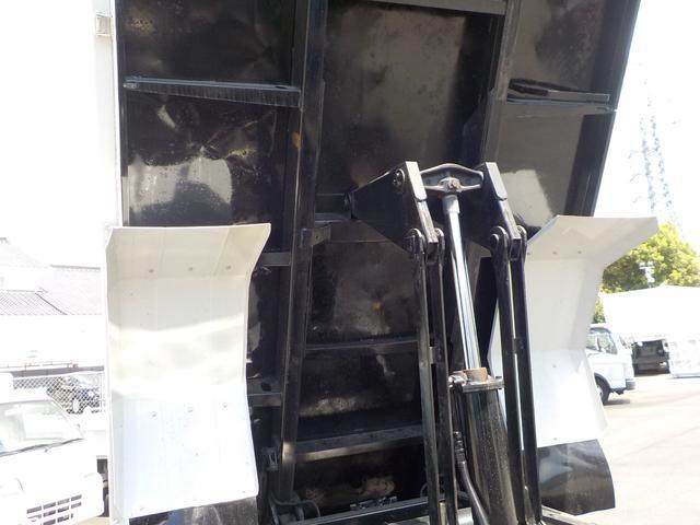 4tダンプ6速MT3ペダル 積載量3900kg 新明和(17枚目)