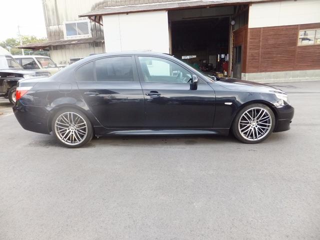 BMW BMW 525i Mスポーツパッケージ レザーシート 社外19AW