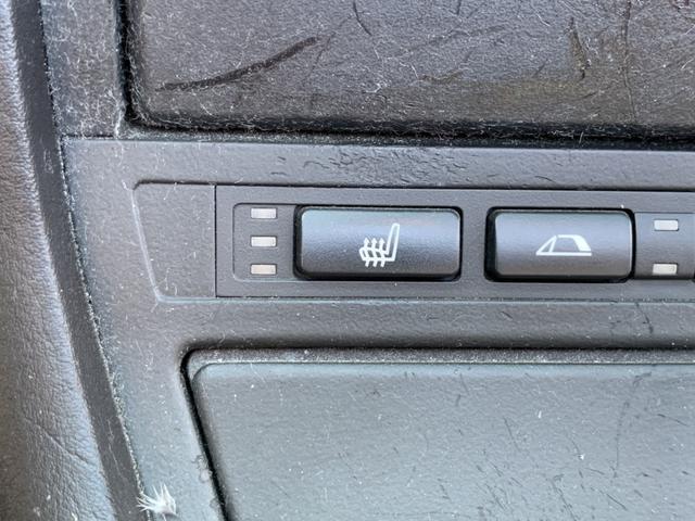 BMW BMW 330Ciカブリオーレ 本革電動シート オープン グー鑑定車