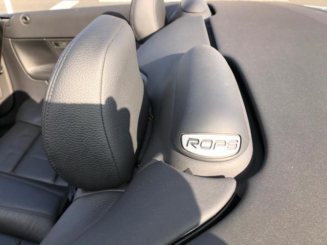 安全性にぬかりないボルボらしく、横転時の頭部保護装置が備わっています。