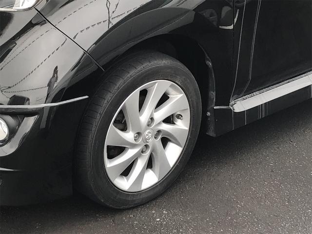 アルミホイールを変えるだけで車のイメージがかなり変わります。かっこいい存在感のある一台です。