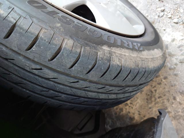 タイヤ溝残たっぷり。