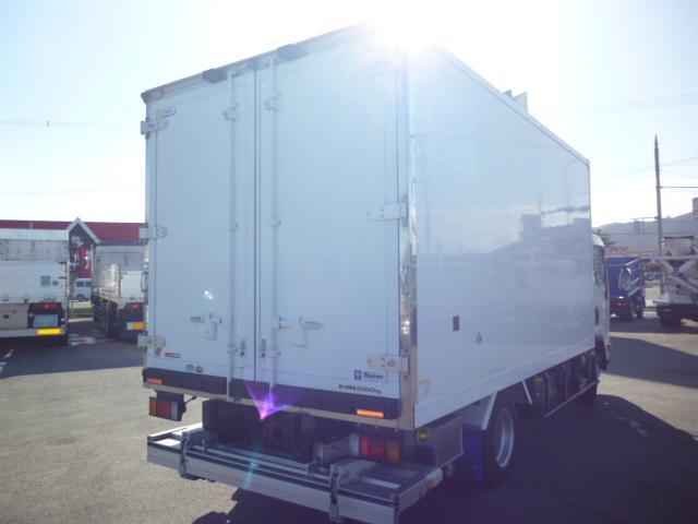 2t低温仕様冷凍車格納ゲート付(4枚目)
