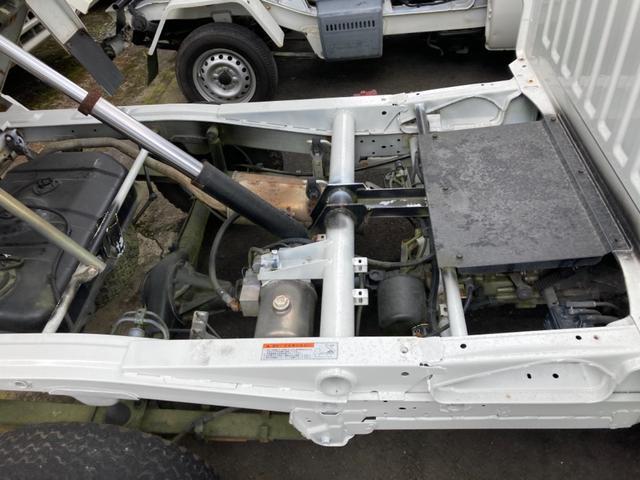 楽床ダンプ 5速MT AC PS エアバック 4WD(12枚目)