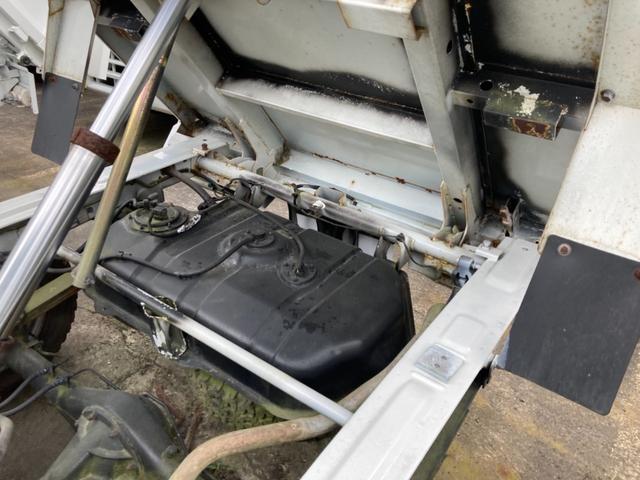 楽床ダンプ 5速MT AC PS エアバック 4WD(16枚目)