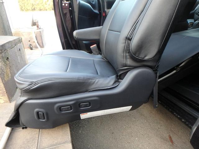 Xi サイドリフトアップシート装着車 SDナビTV(16枚目)