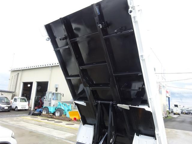 三菱ふそう キャンター 2t全低床強化ダンプ