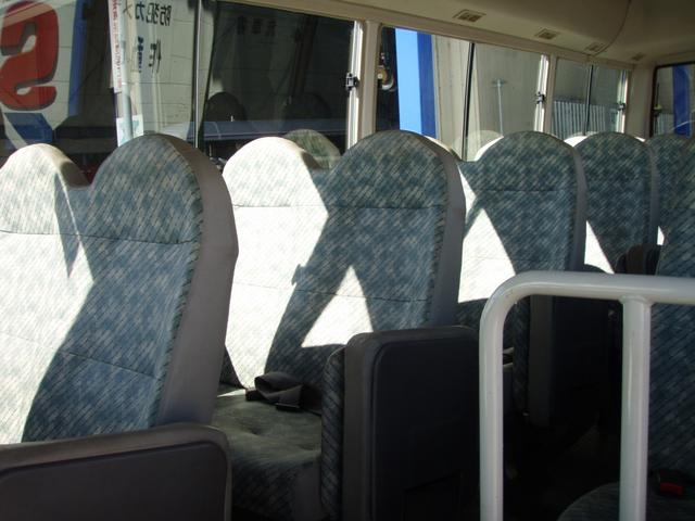29人乗り 自動扉 ターボ付き 5速マニュアル(6枚目)