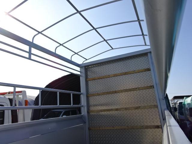 いすゞ エルフトラック 2tベース 標準ボディ 家畜運搬車
