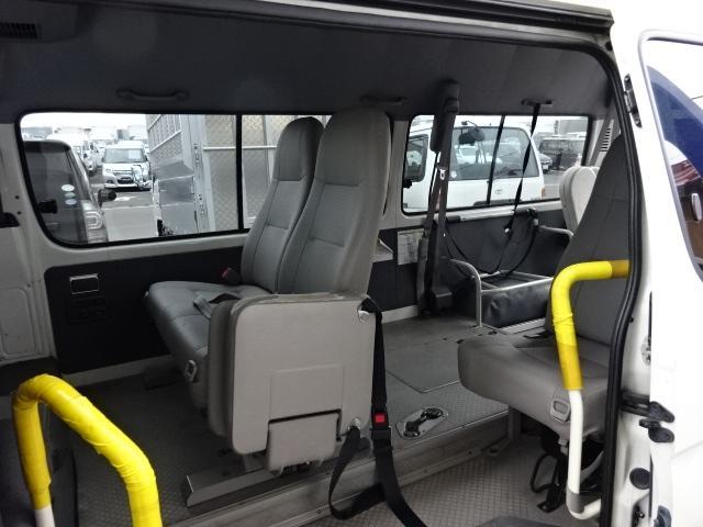 福祉車輌 4WD 車イス2基固定装置(12枚目)